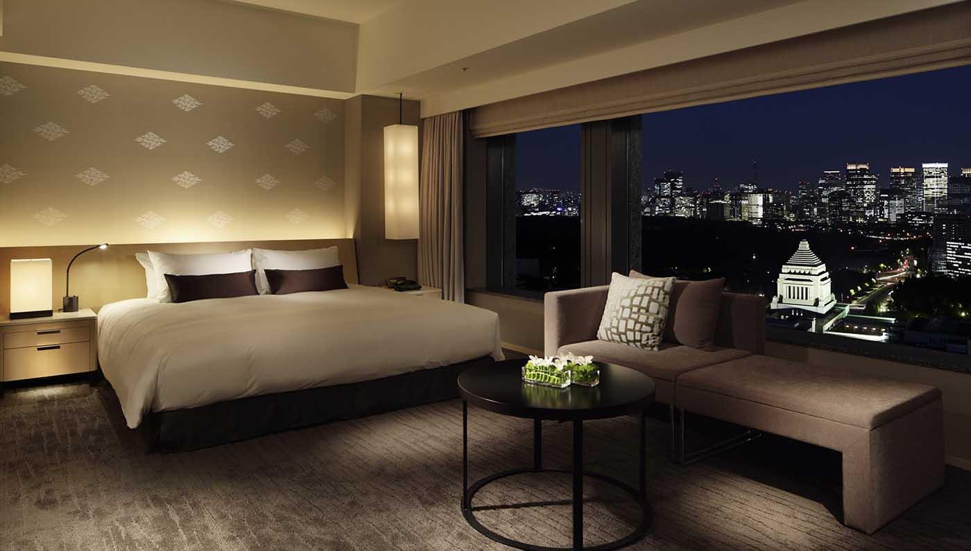 Enjoy Luxury Amenities in 5 Star Greece Hotel