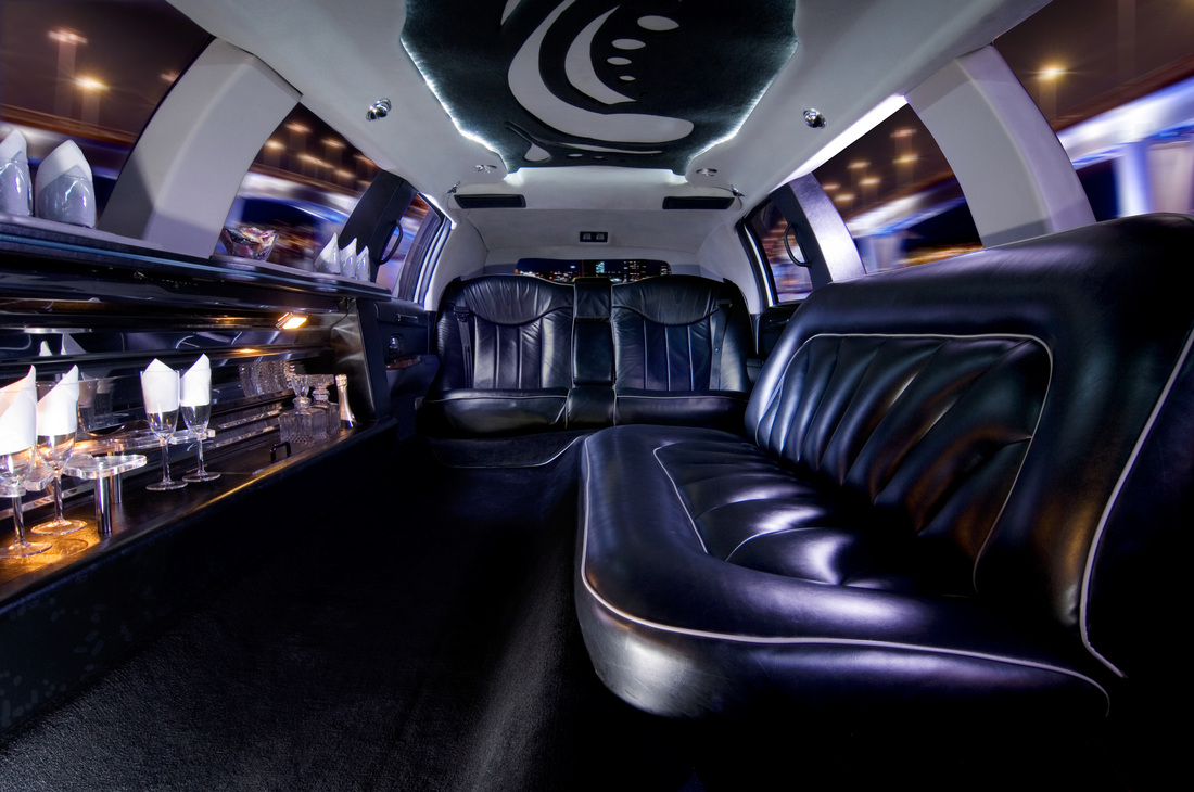 Why Hire a Wedding Limo in Florida